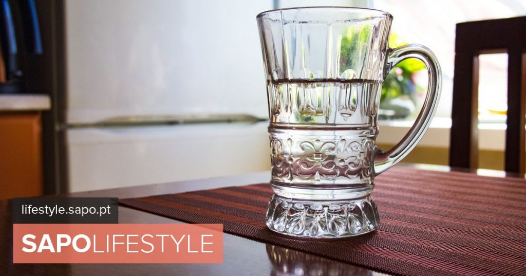 Drinking water at fattening meals? 10 lies about food