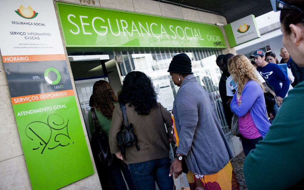 Unemployed couples with children keep 10% increase in unemployment subsidy - Jornal Econômico