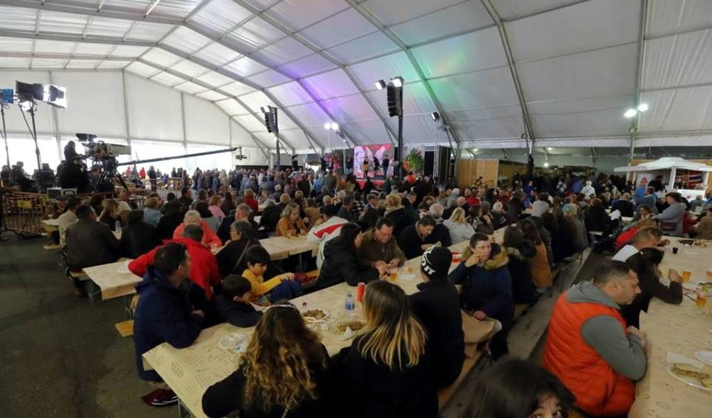 Fair of the Sausages takes thousands of people to Monchique at the weekend - Jornal diariOnline Região Sul