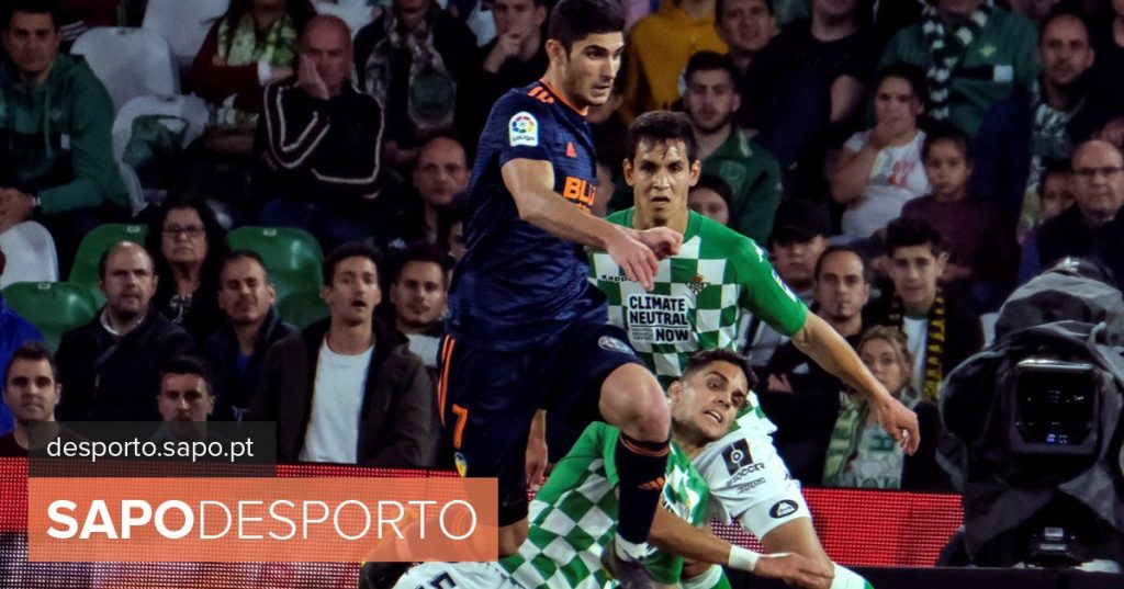 """Gonçalo Guedes: """"I'm happy to help the team"""""""