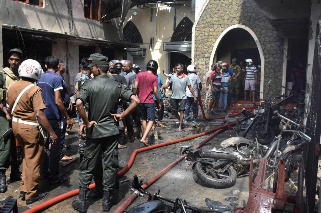 Thousands of tourists fleeing Sri Lanka following terrorist attack that killed 290 people including a Portuguese - The Economic Journal