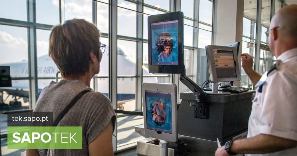 US to photograph all passengers outside their airports - Computers