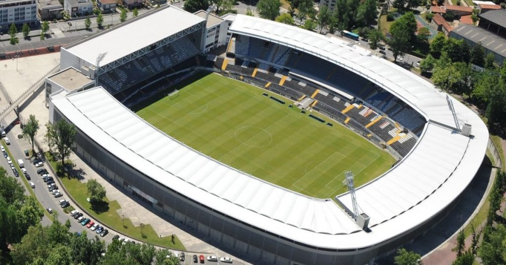 Vitória receives Chaves in Guimarães after court suspends stadium ban