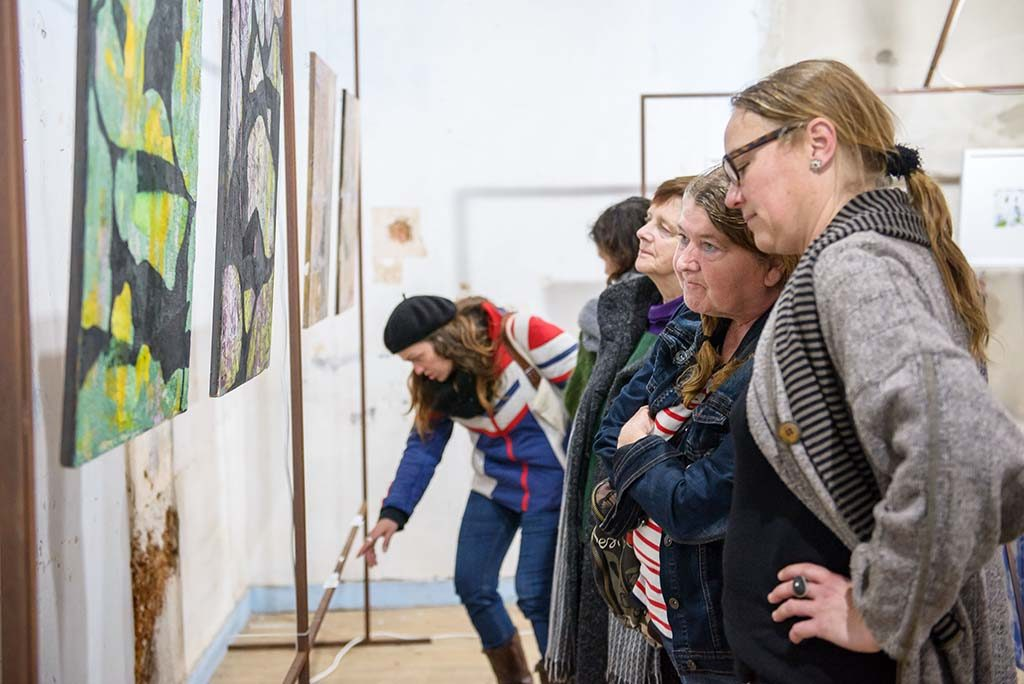 """""""Soup of Artists"""" promotes collective exhibition in Odemira - Jornal diariOnline Região Sul"""