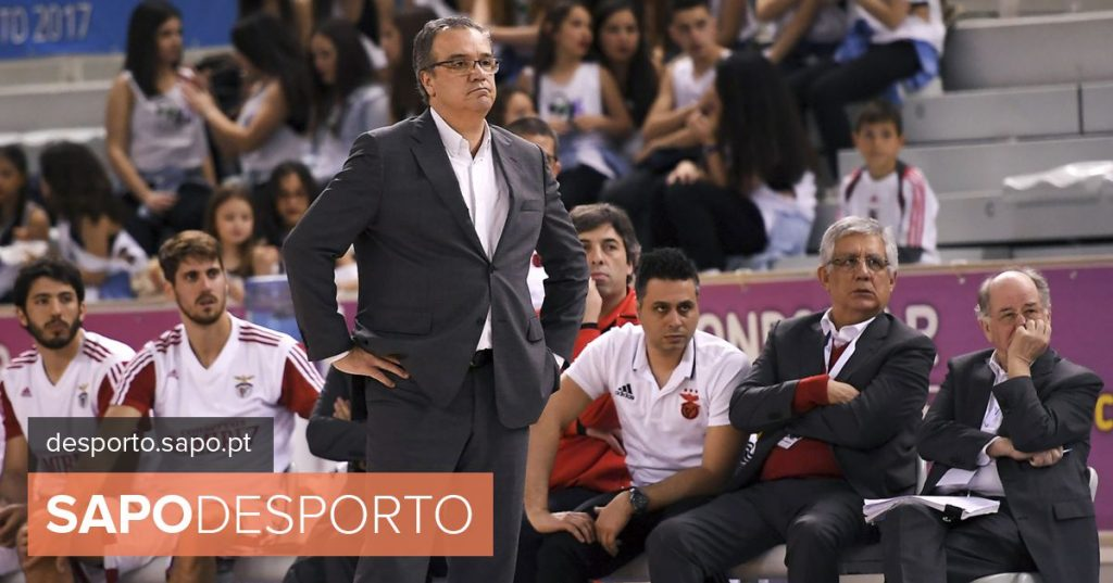 """Carlos Lisboa and the victory against FC Porto: """"I am only winning 2-0. Nothing is decided"""""""