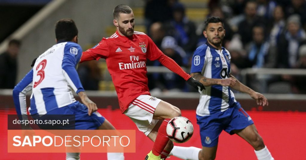 I league title fight continues today with Benfica and FC Porto on the pitch - Football