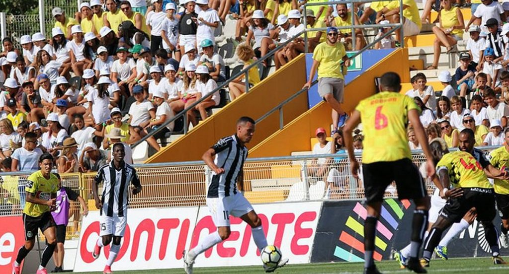 Tickets in exchange for food and goods for local IPSS to see Portimonense-Marítimo - Jornal diariOnline Região Sul