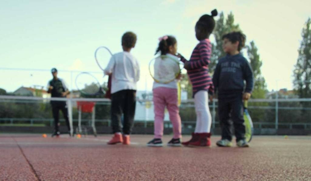Faro Chamber bet on tennis to integrate children and young people in vulnerable situation - Jornal diariOnline Região Sul