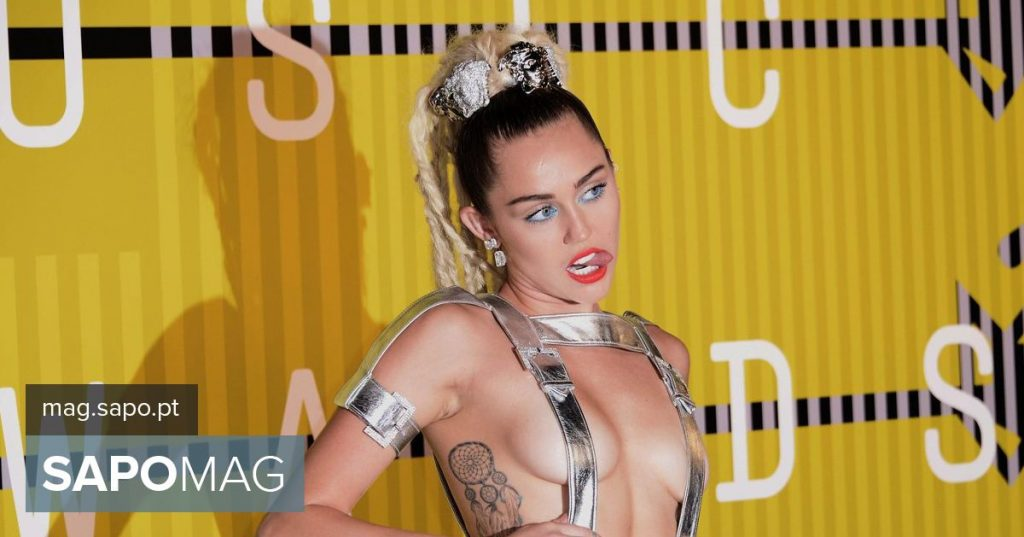 """""""She Is Coming"""": Miley Cyrus sells condoms with the title of her new EP - Showbiz"""
