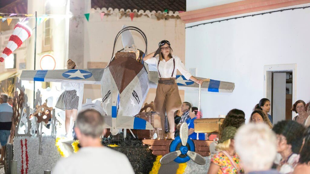 Summer Carnival with 12 floats and 300 extras animates Moncarapacho - Jornal diariOnline South Region