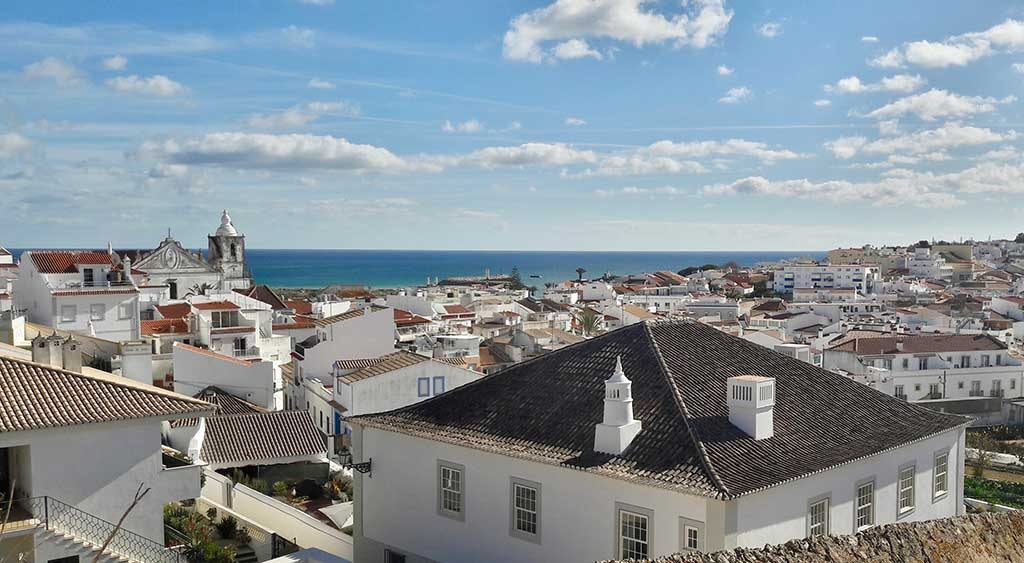 Of the 25 municipalities where it is more expensive to buy a house, 11 are in the Algarve