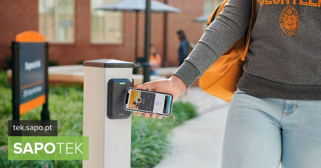 "At US Colleges, Students Already ""Stitch The Point"" With iPhone - iOS"