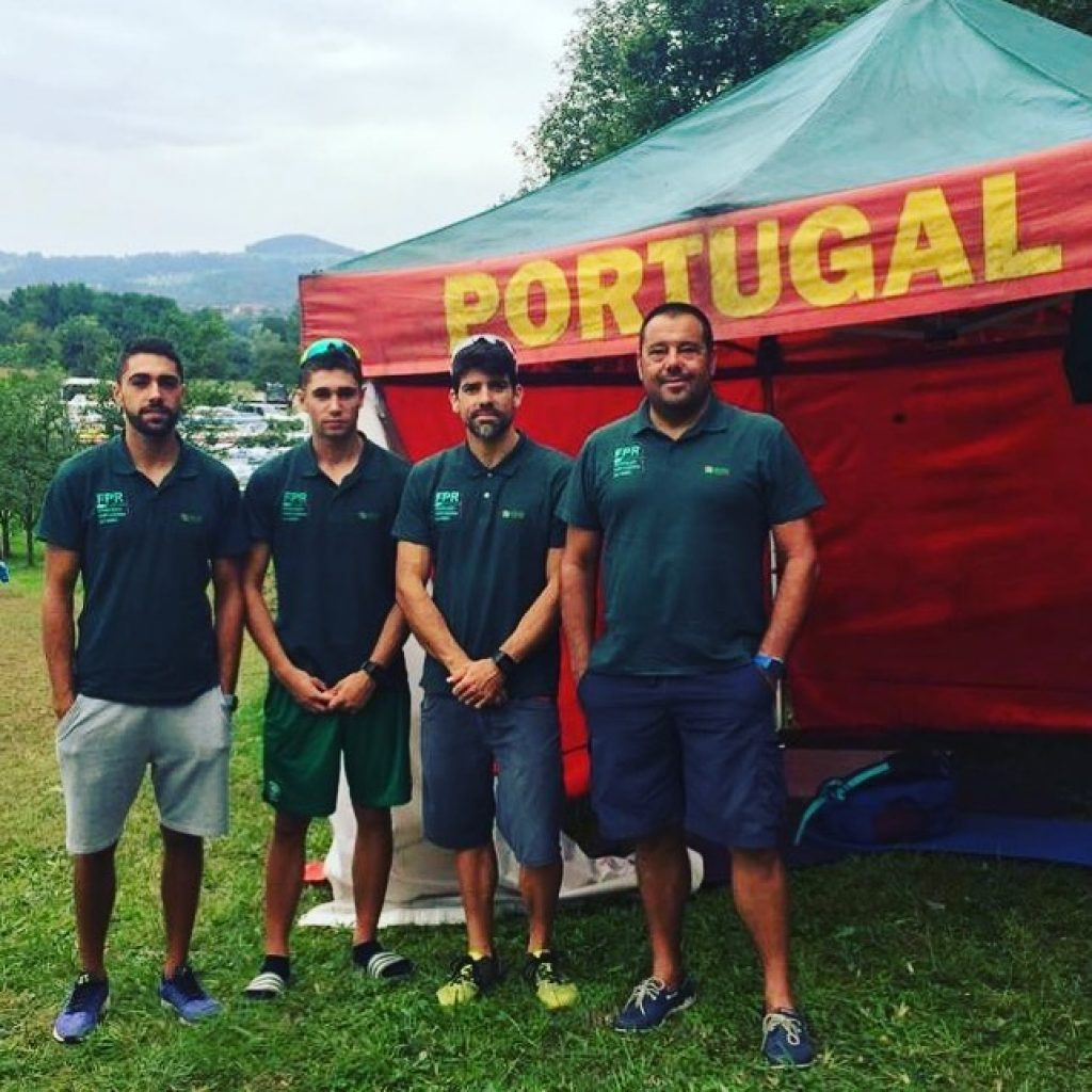 Pedro Fraga and Afonso Costa make their way to the 'quarters' of the rowing worlds