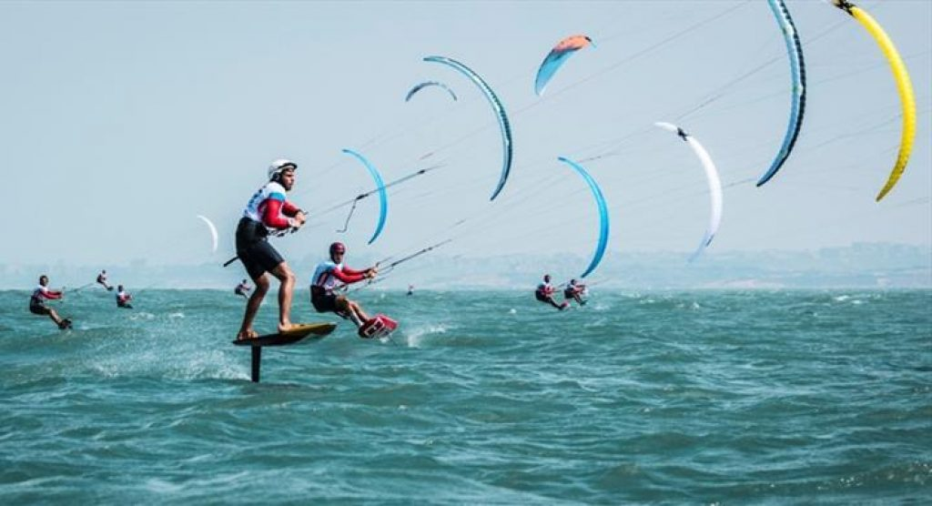 First national kiteboard championship in Fuseta waters - Jornal diariOnline Southern Region