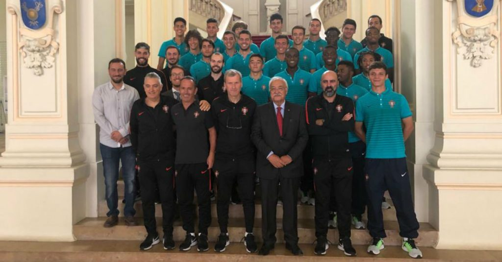 Horácio Antunes led the under-18 national team entourage received at the Limoges Chamber