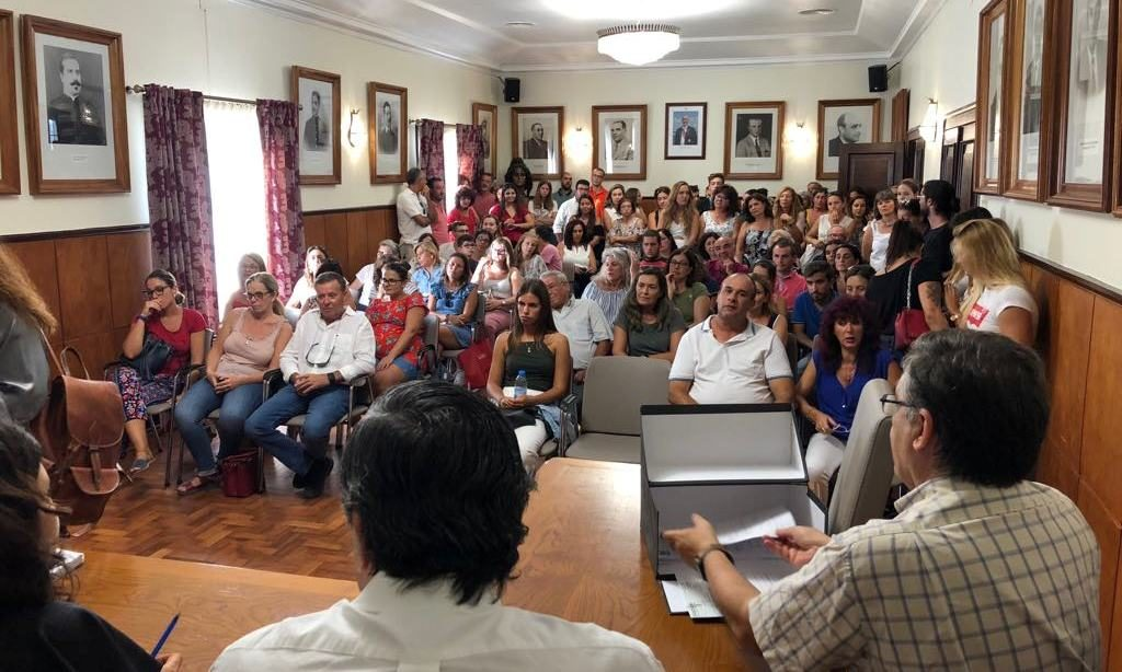 Tavirian council hands over 126 scholarships to university students - Jornal diariOnline Southern Region