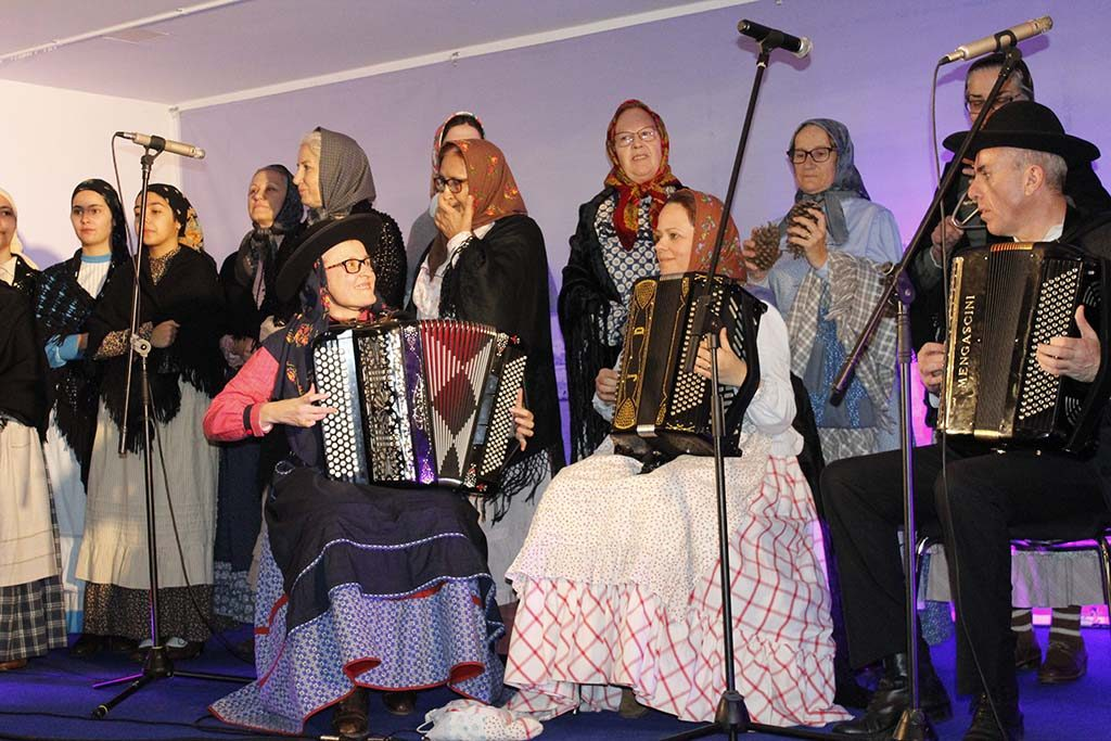 Songs of Janeiras and Charolas in Quarteira
