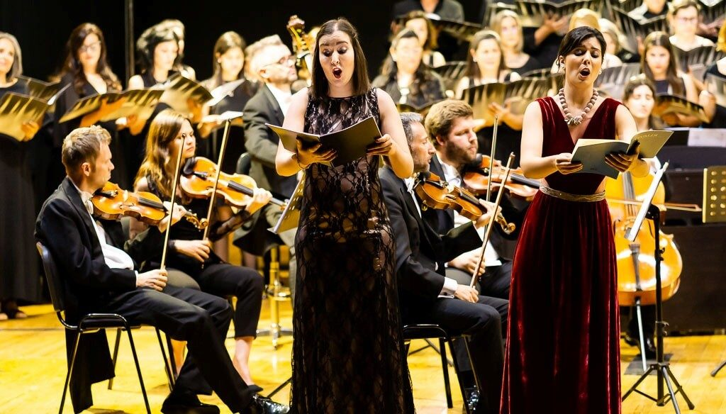 Southern Classical Choir and Orchestra perform in Lisbon for New Year's Concert