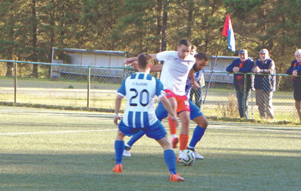 Carapinheirense does not falter and wins