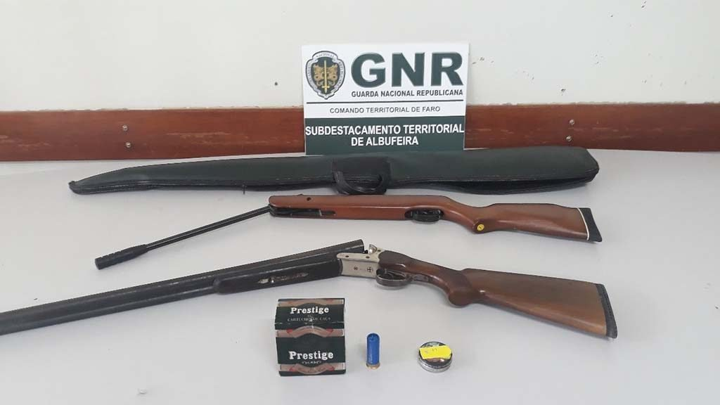 seized weapons in Albufeira