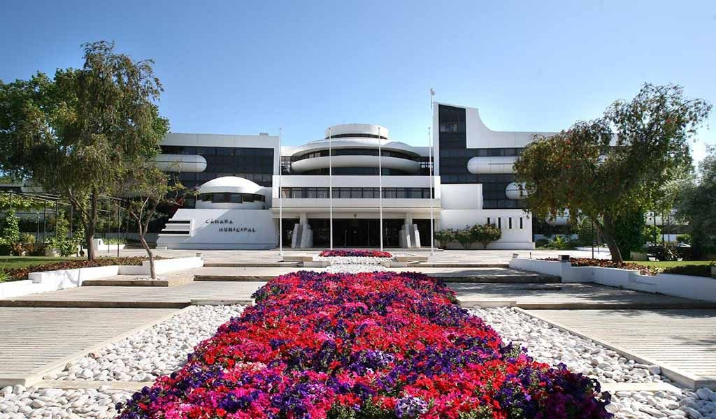Albufeira City Council helps with distance learning