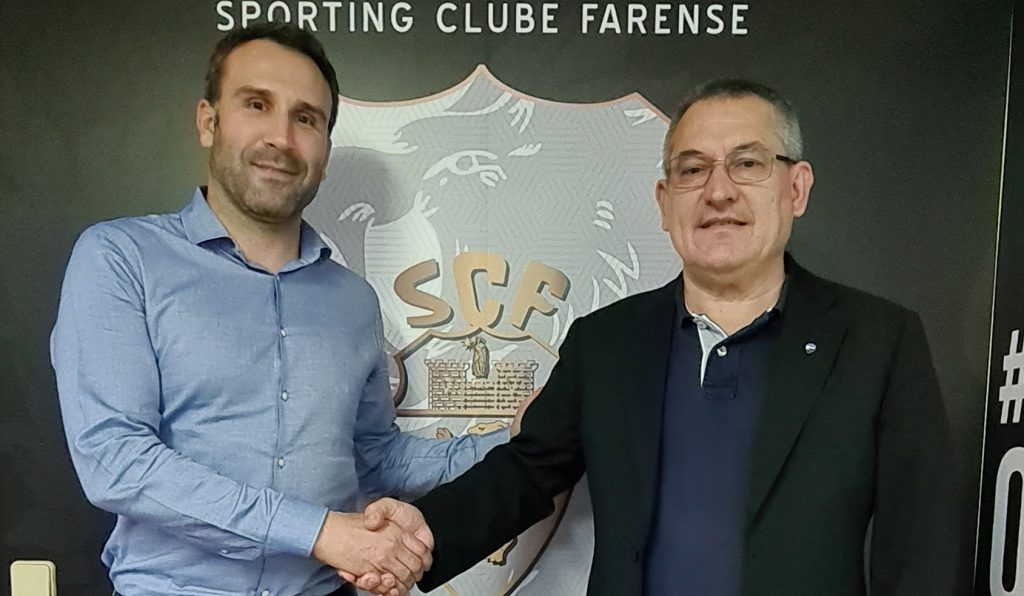 Coach Sérgio Vieira renews with Farense for three more seasons