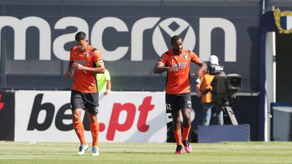 Portimonense wins in Famalicão and approaches the places of permanence