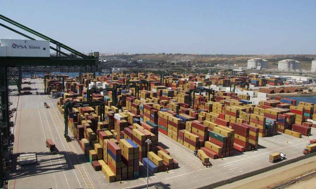 Exports fall 7.3% and imports 21.2% in July - INE