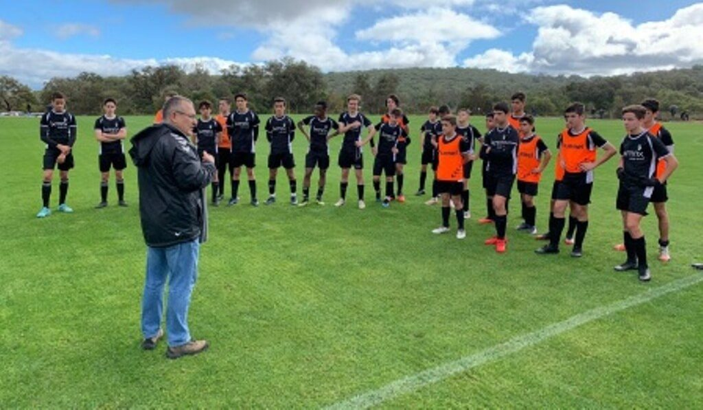 Young promises debuted today the new academy of Farense