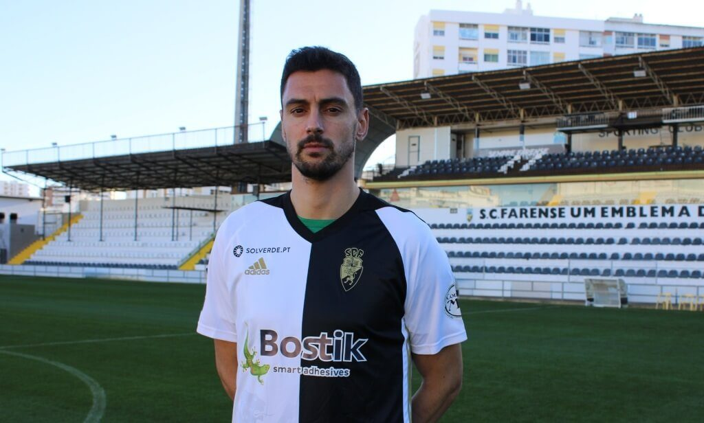 André Pinto is reinforcement for the defense of Farense