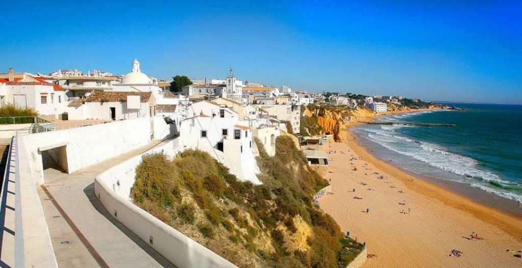Albufeira exempts payment for commercial spaces for another 3 months