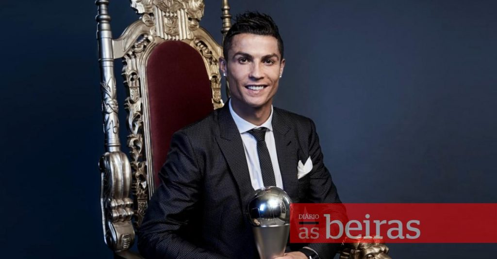 Diário As Beiras - Cristiano Ronaldo for the 15th time in the UEFA team of the year voted by fans