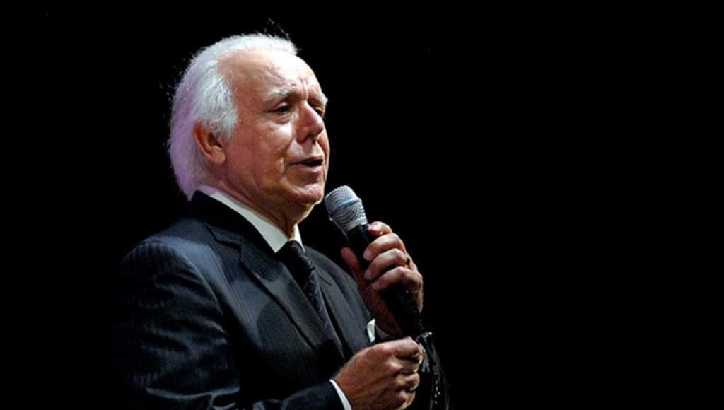 Fado singer Carlos do Carmo died