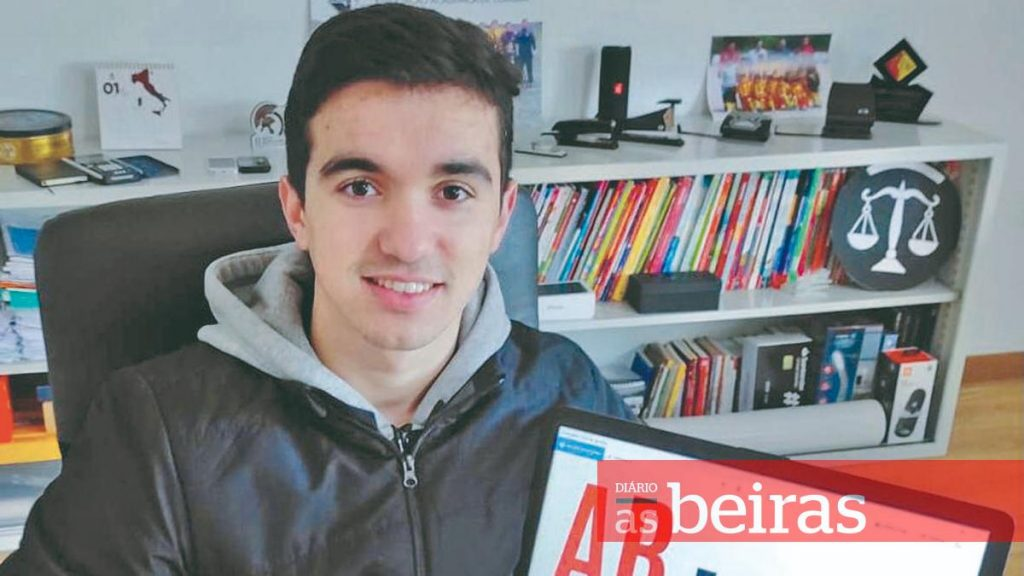 Diário As Beiras - Penelense player takes advantage of stopped championship and turns to the formation