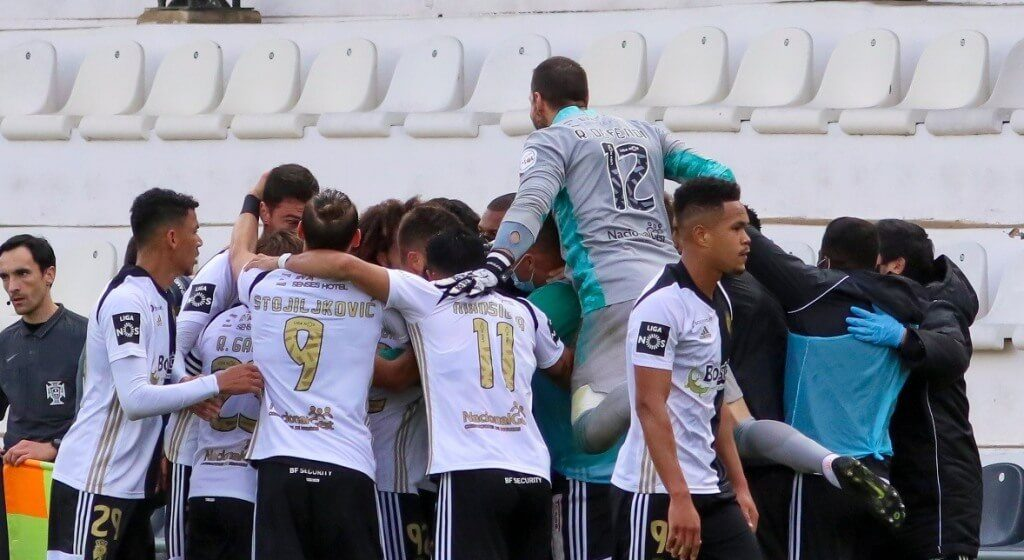 Farense debut to win away after second part of «crazy»