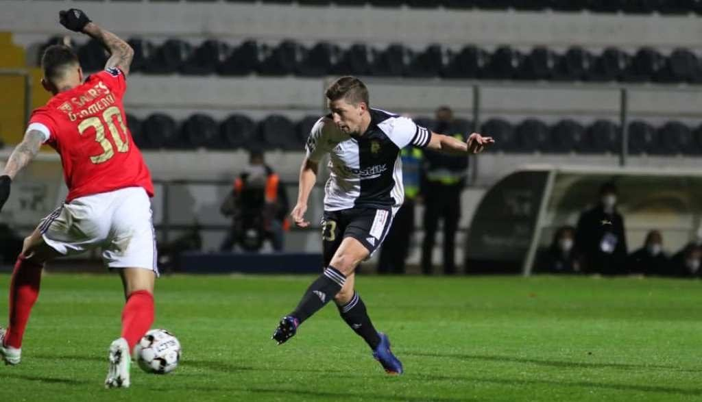 Farense ends 41-game series conceding goals in I Liga and nullifies Benfica