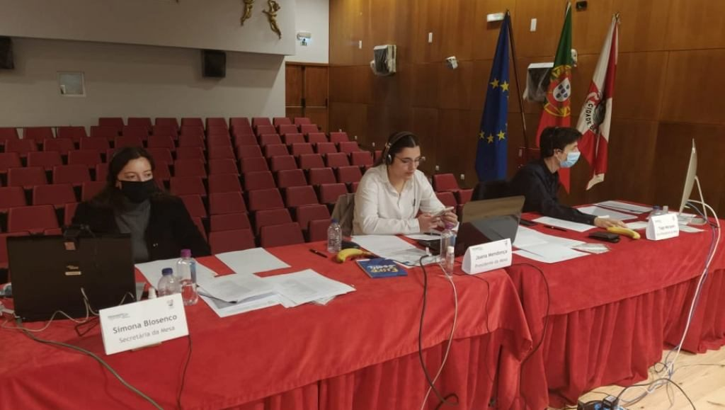 Students from Faro, Olhão and Albufeira triumph in the district «Youth Parliament»