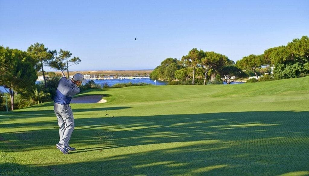 """Golf Federation in """"tremendous dismay"""" with date of resumption"""