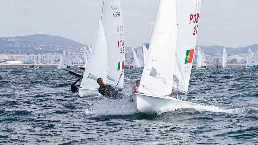 Good wind conditions at the start of the World 470