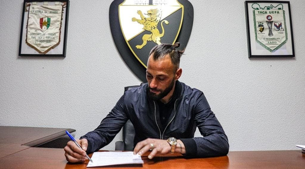 """Guardião Beto signs for Farense """"thirsty to win"""""""