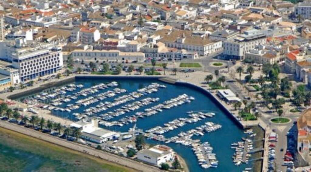 Faro's local trade resists crisis and plans for the future