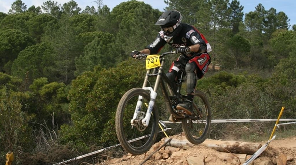 São Brás hosts first European downhill race of the year
